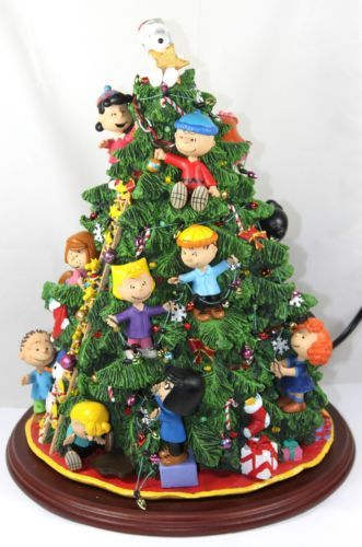 Danbury Mint Peanuts Christmas Tree 2003 with Snoopy Tree Topper - Danbury Mint Peanuts Christmas Tree 2003 With Snoopy Tree Topper