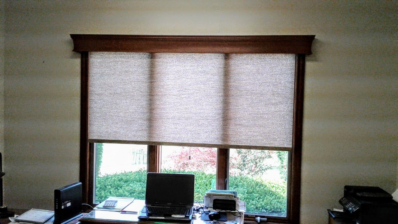 Roller Shade In A Faux Woven Wood Material With A 5 1 2 Grand