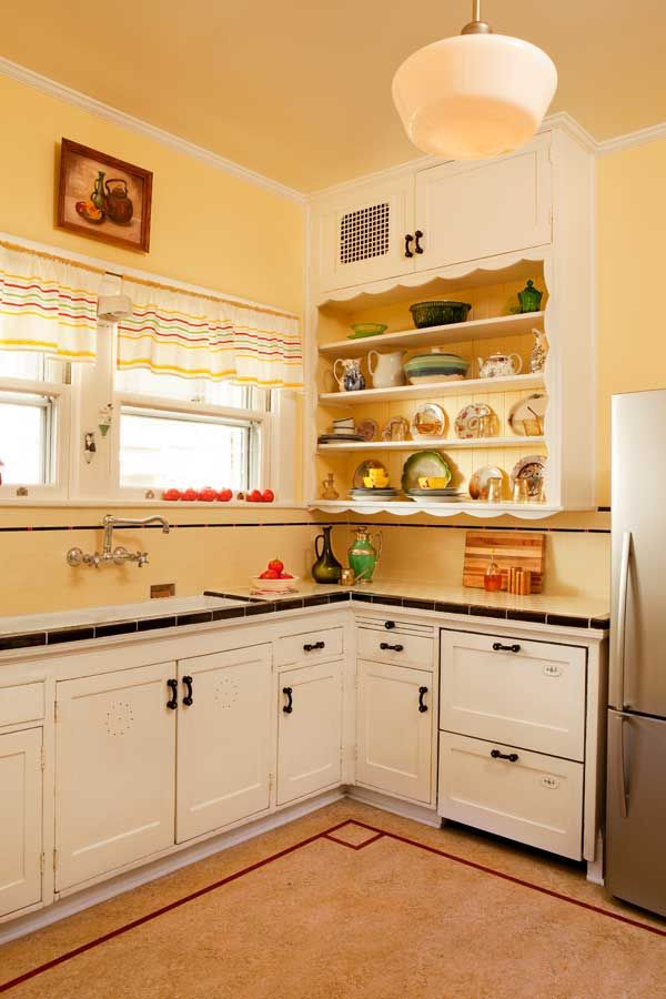 Friendly Kitchen In A 1912 Foursquare Kitchen Flooring Bungalow