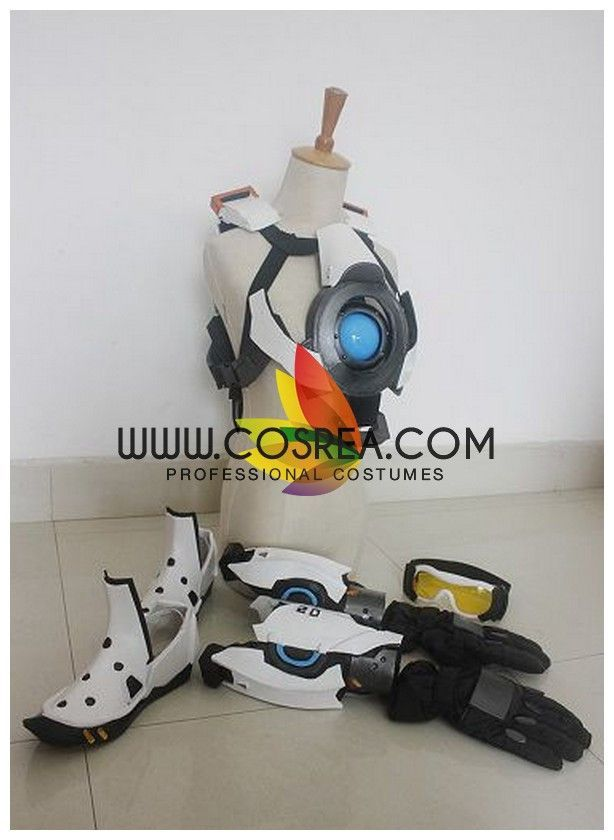 Overwatch Tracer Cosplay Costume    If I played tracer I'd