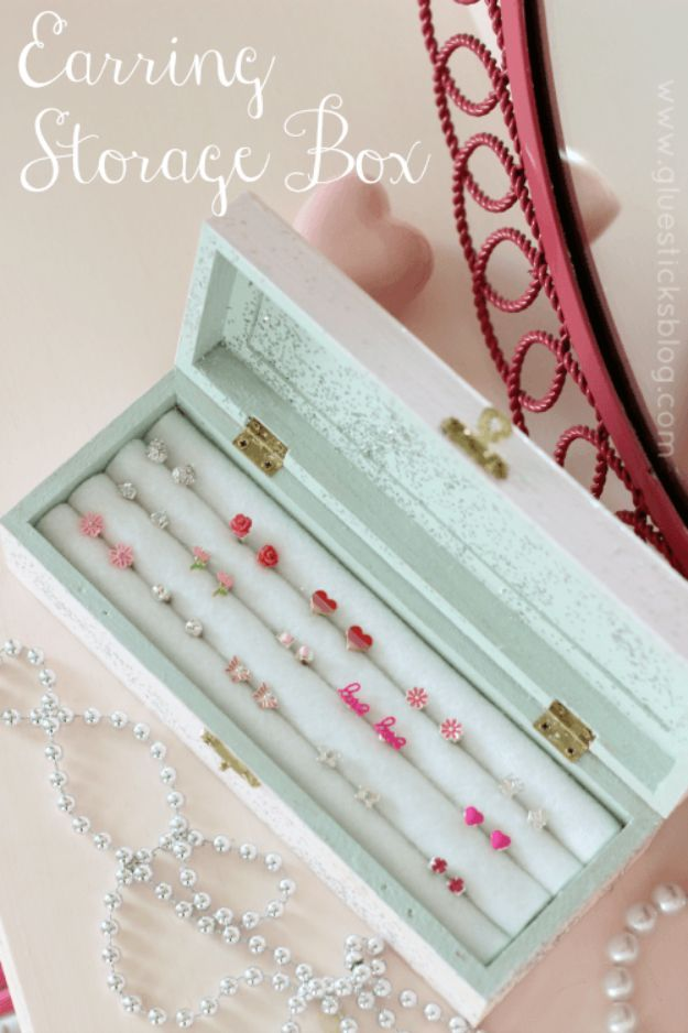 32 creative diy jewelry boxes and storage ideas earring storage 32 creative diy jewelry boxes and storage ideas earring storage jewelry storage and diy earrings solutioingenieria Choice Image