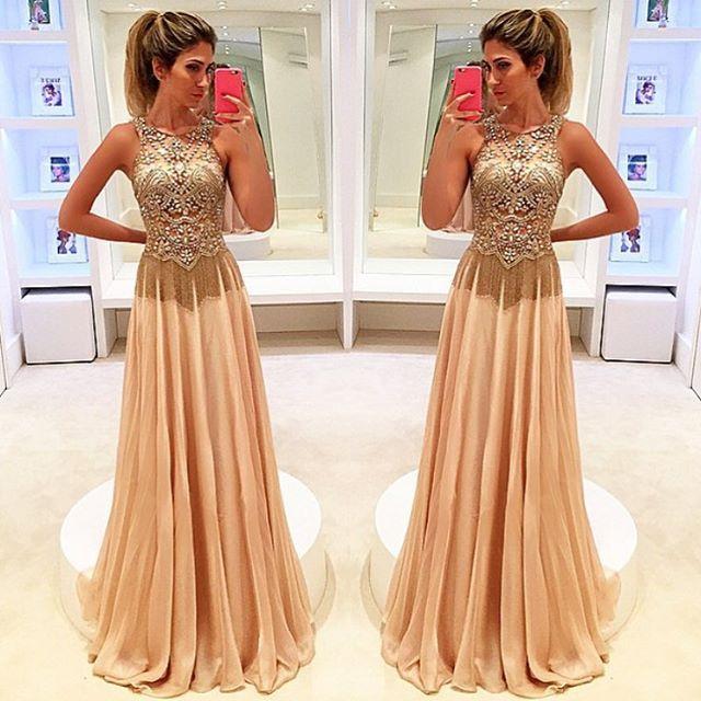 Lindo vestido por Isabella Narchi via @vestidos_efashionstyle @vestidos_efashionstyle ✨✨✨