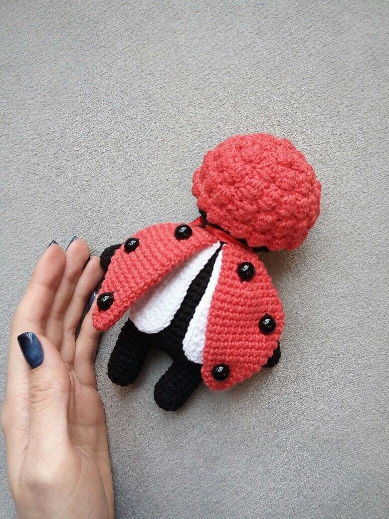 Sleepy Ladybird Doll | amigurumi schmetterlinge raupe käfer usw ...