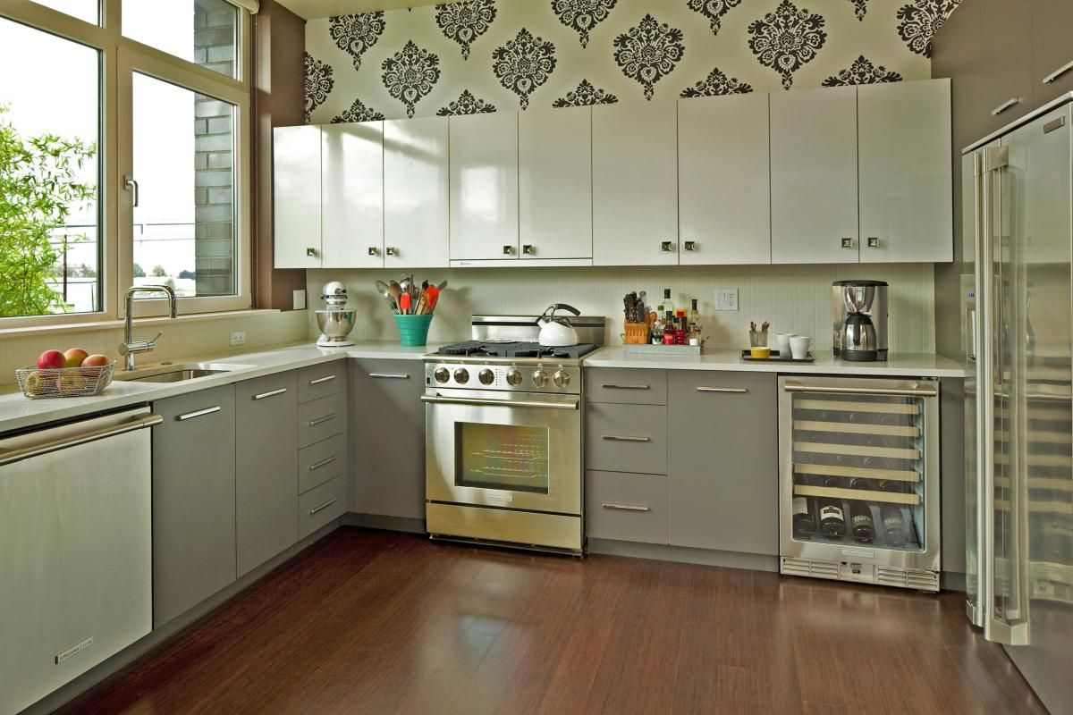 damask wallpaper in kitchen | For the Home | White kitchen ...