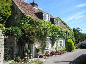 Cosy Houses Chocolate Box Cottage In Batheaston Looks