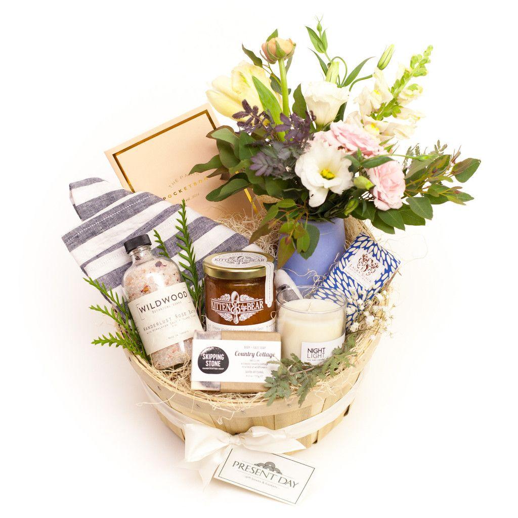 Sweet Indulgence Basket For Mom Hadiah Pernikahan Dekorasi Pernikahan Perkawinan