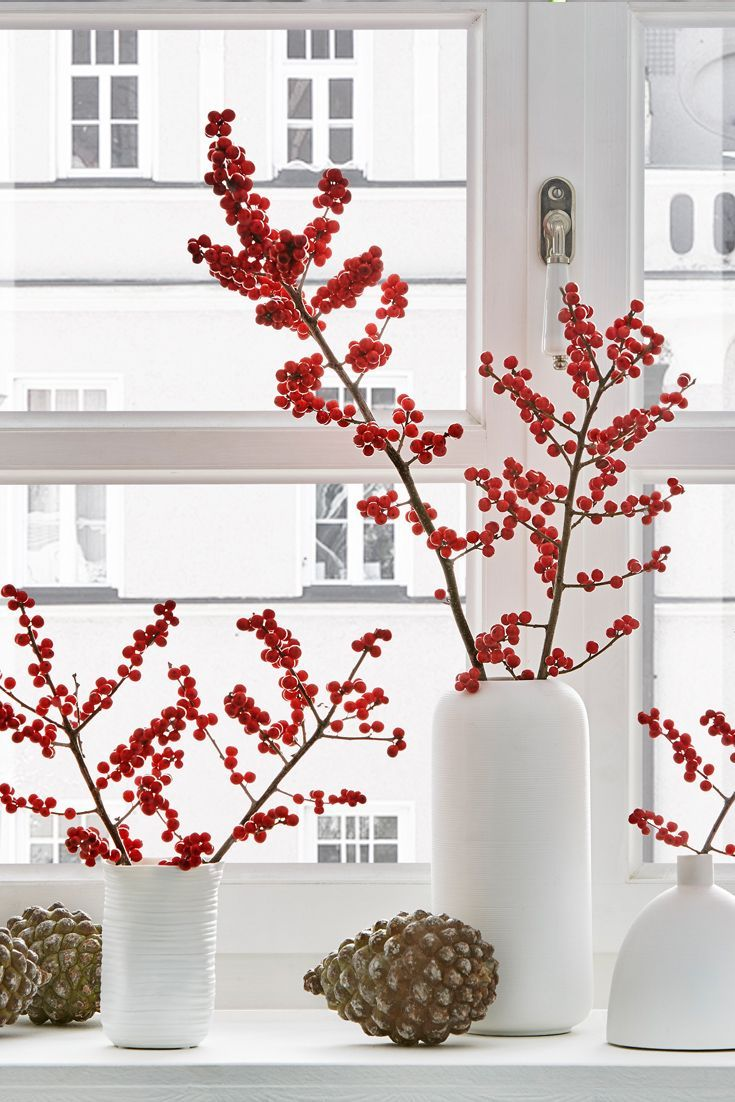 Photo of The Scandinavian Christmas decoration with Ilex branches is something very special. The …