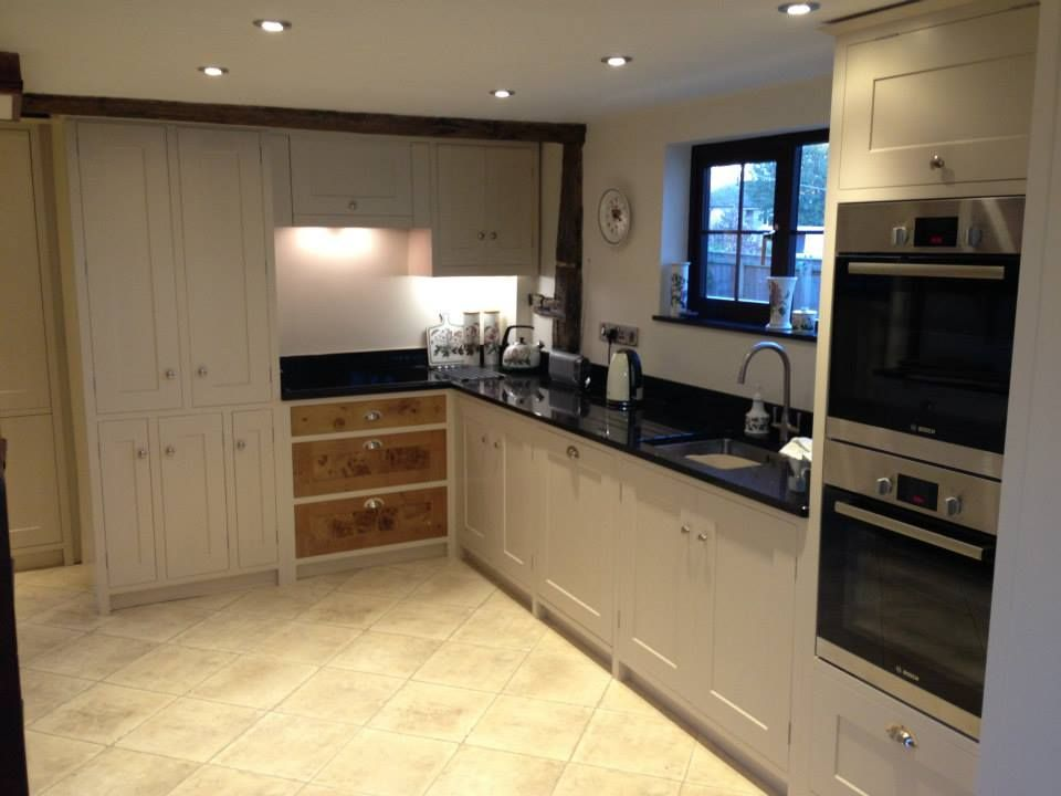 Handmade fitted kitchen with feature solid english oak for Oak fitted kitchen