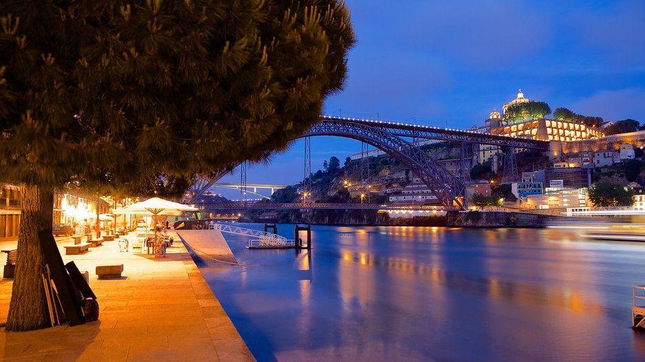 pont dom luis la rivi re douro porto portugal porto portugal pinterest porto portugal. Black Bedroom Furniture Sets. Home Design Ideas