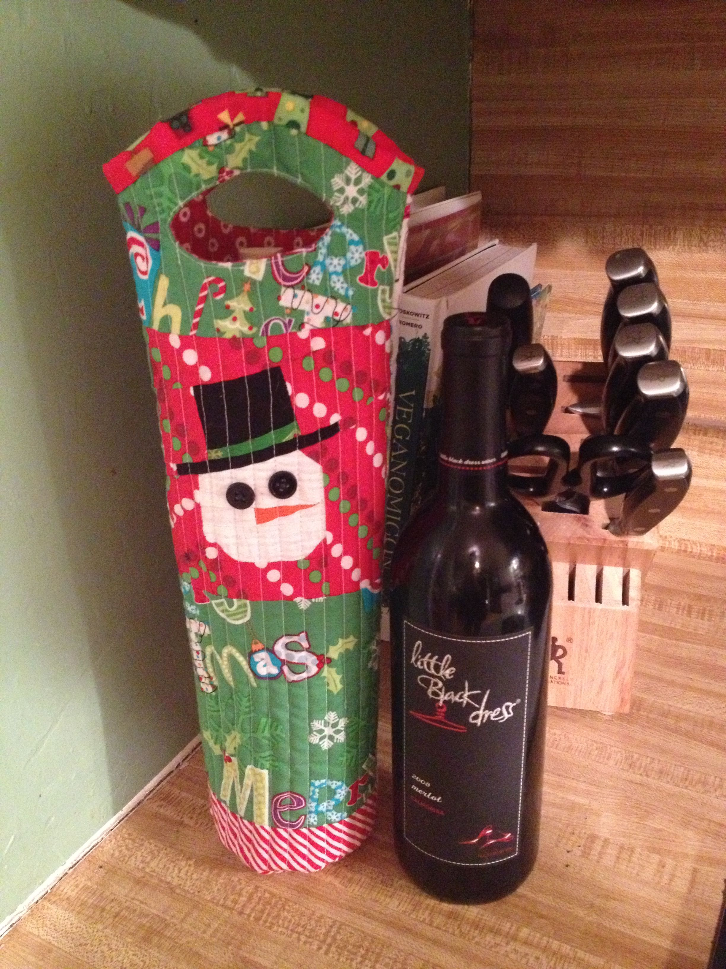 Quilted Wine Tote Made Using A Paper Pieced Snowman Pattern By Quiet Play Christmas Wine Snowmen Patterns Bottles Decoration