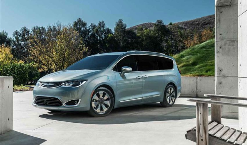 2018 Chrysler Town And Country Changes Redesign Specs And Price