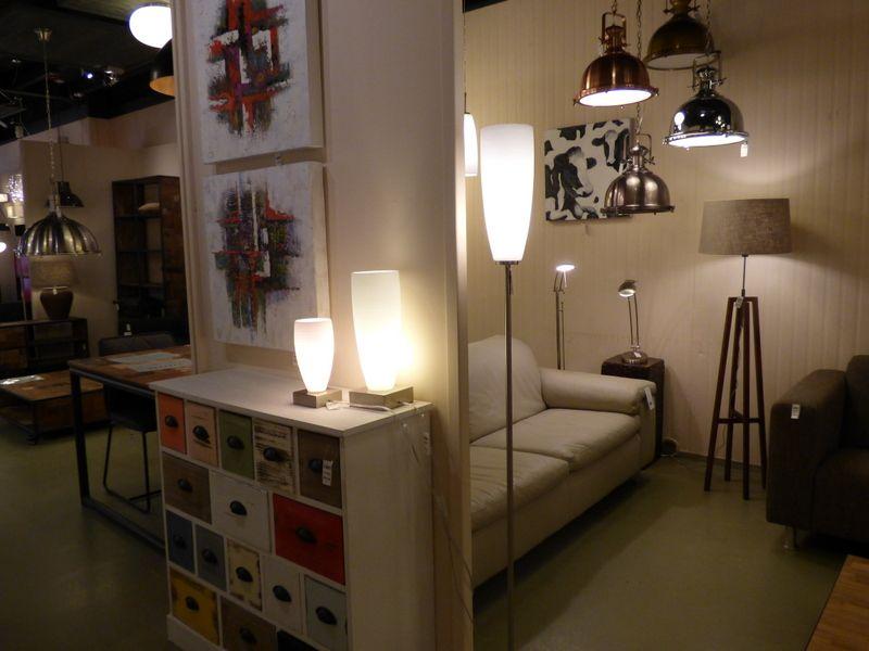 Design Hanglampen Woonkamer : Showroom winkel interieur verlichting . landelijke industriele
