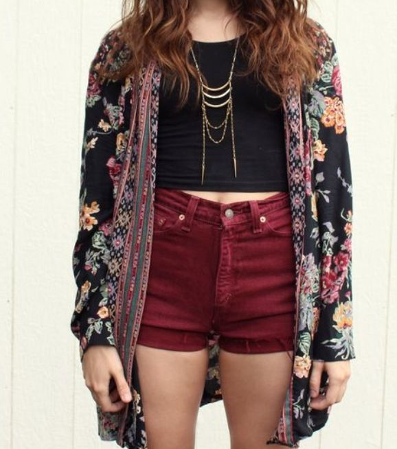 high waisted shorts+crop top tied together with a patterned cardigan. #boho #chic