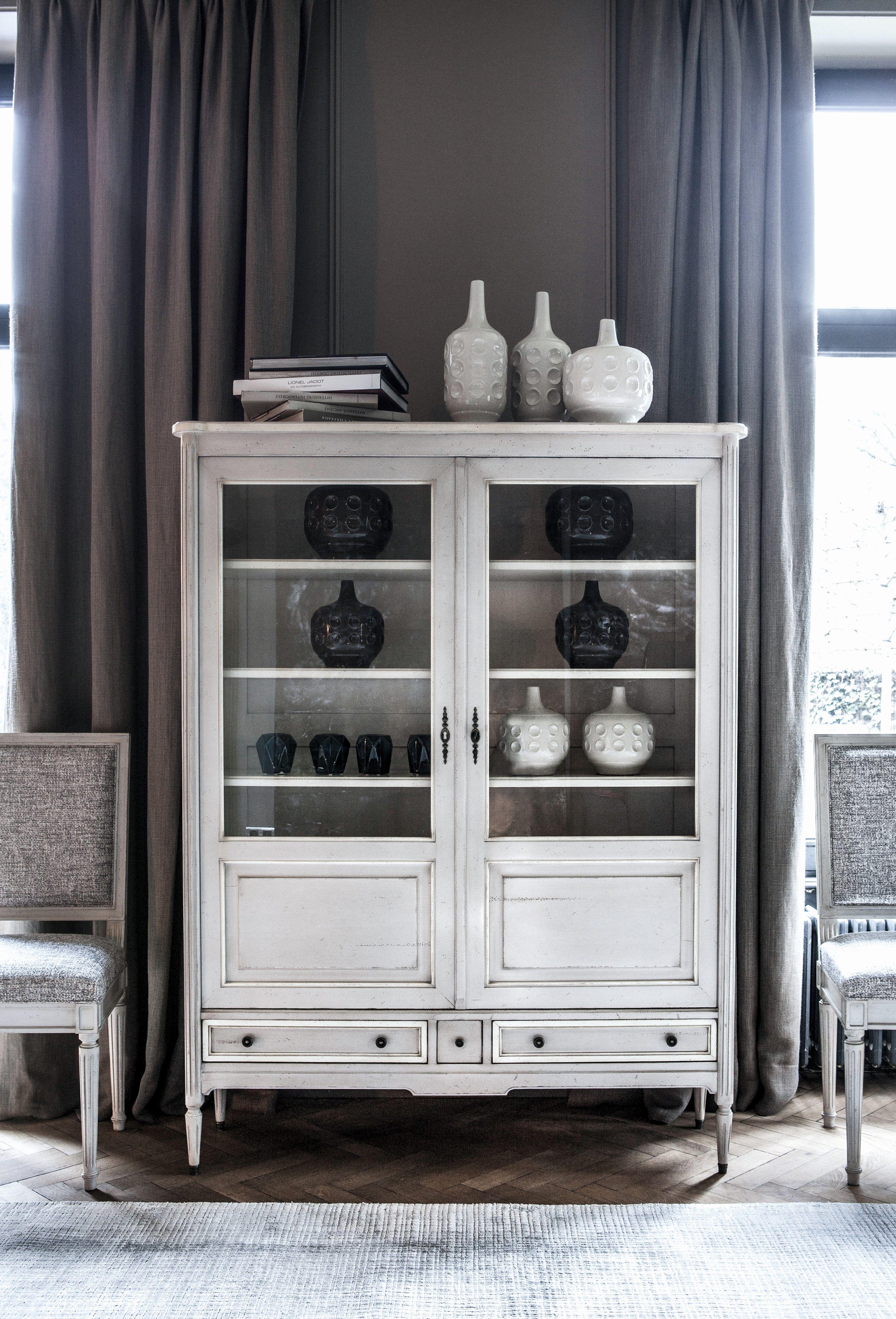 witte vitrinekast - wit houten vitrinekast - vitrinekast ideeën ...