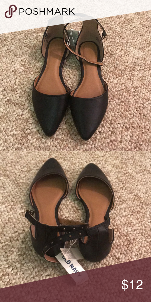 2689e0e1452 NEW WITH TAGS OLD NAVY FLATS New with tags black size 6 old navy flats.