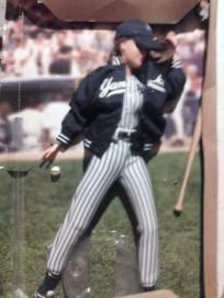 1999 NEW YORK YANKEES BARBIE COLLECTOR EDITION FREE SHIPPING!!!!!!!