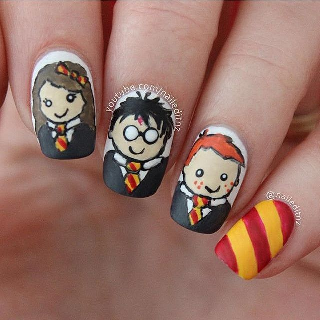 Teehee. @naileditnz sporting some adorable Harry Potter nailart. Are you a fan of HP?⚡️ Tag your work to #jewsie or #jewsienails for me to see!