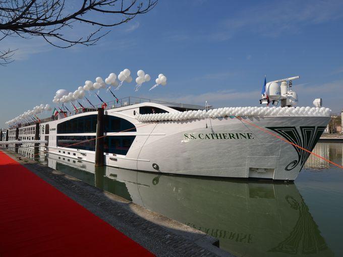 Cruise Ship Tours The Elegance Of A Uniworld Vessel Lyon France - Ss catherine