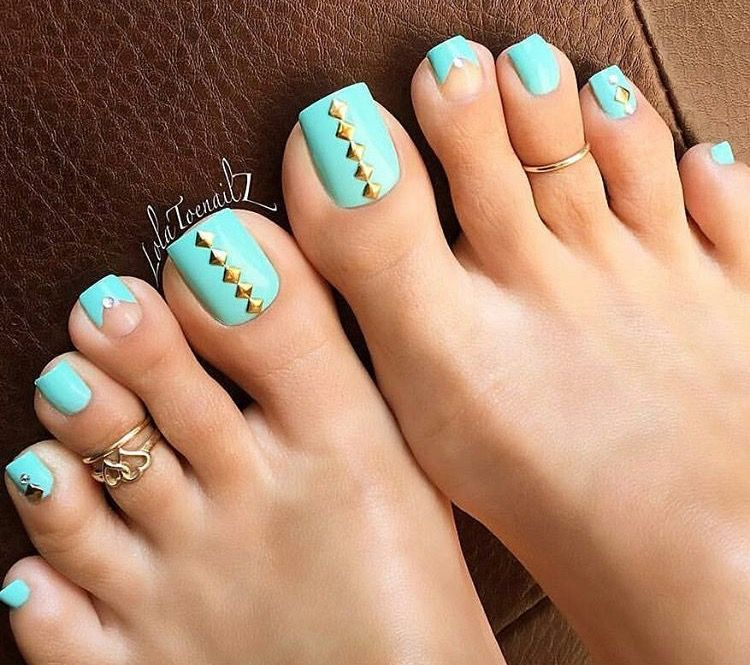 Nice toenails https://www.facebook.com/shorthaircutstyles/posts ...