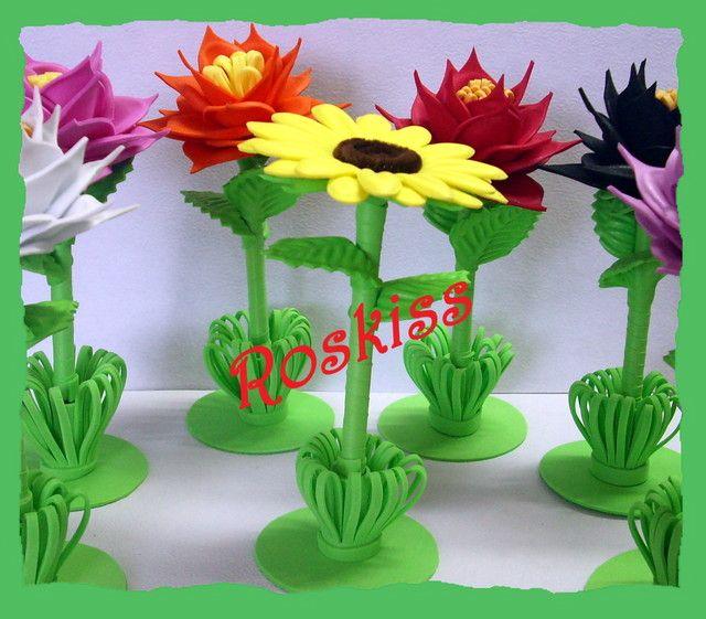 Moldes de plumas florales flores de fomi pinterest - Manualidades con plumas ...