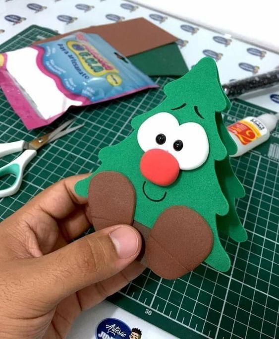 DIY Christmas Craft Idea for kids! #craftsforkids #diycrafts #christmascrafts #crafts #christmas