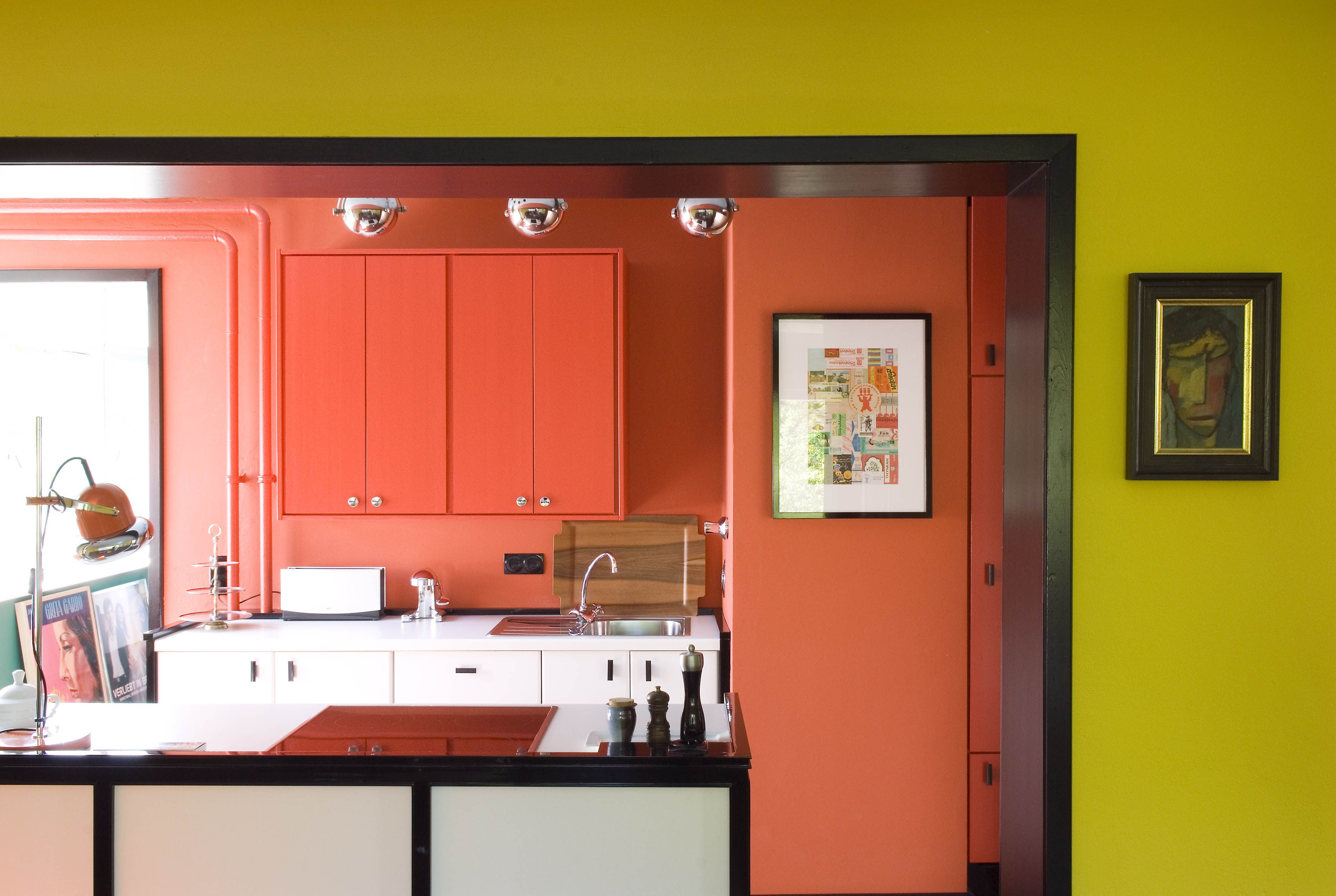 MODERN LIVING With a bold use of color and the willingness to re