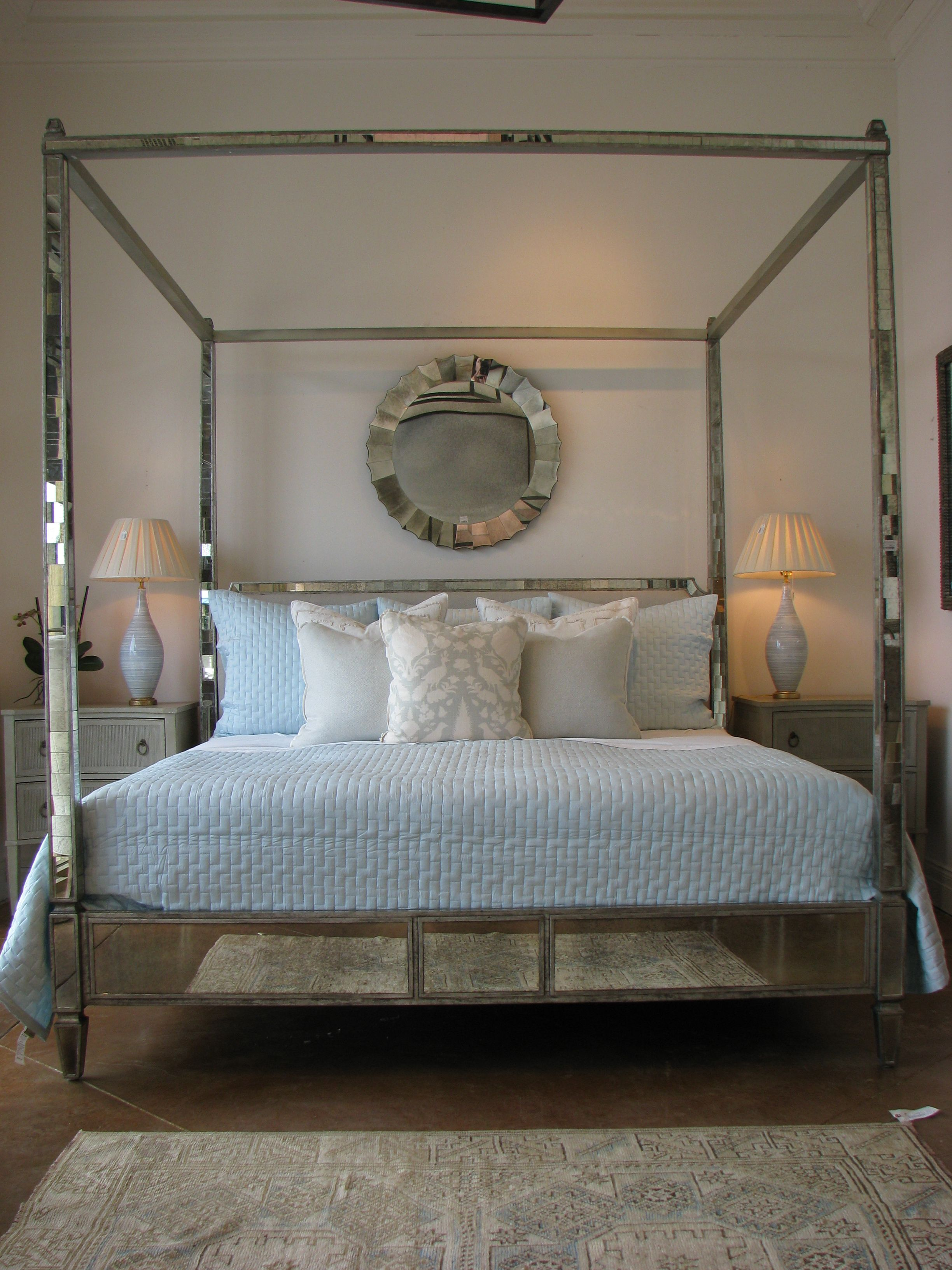 Mirrored four poster bed. Obsessed. Sleeping & Dreaming