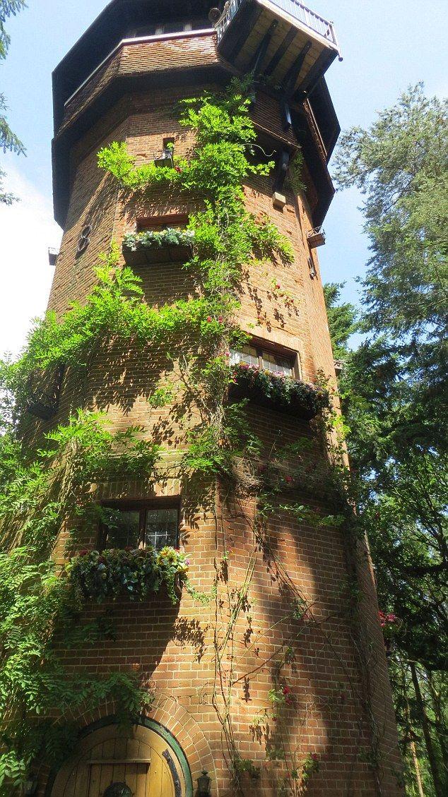 arrendamentos mais estranhas do Reino Unido a partir de uma torre de controle de RAF para uma casa feita de rocha | Daily Mail on-line