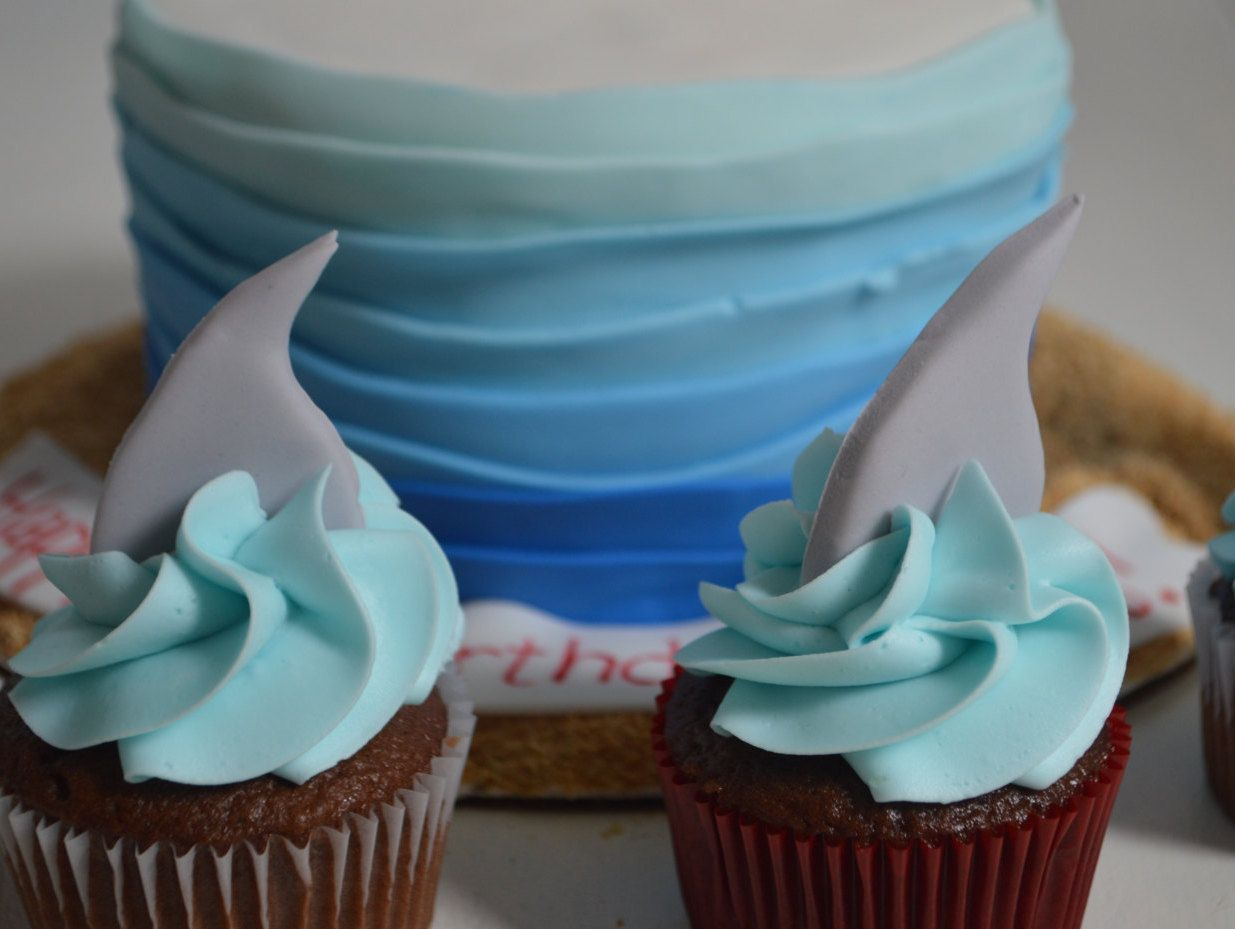 Edible fondant shark fin cupcake toppers shark cake