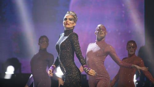 Celeste, une star de la pop, qui renait de ses cendres