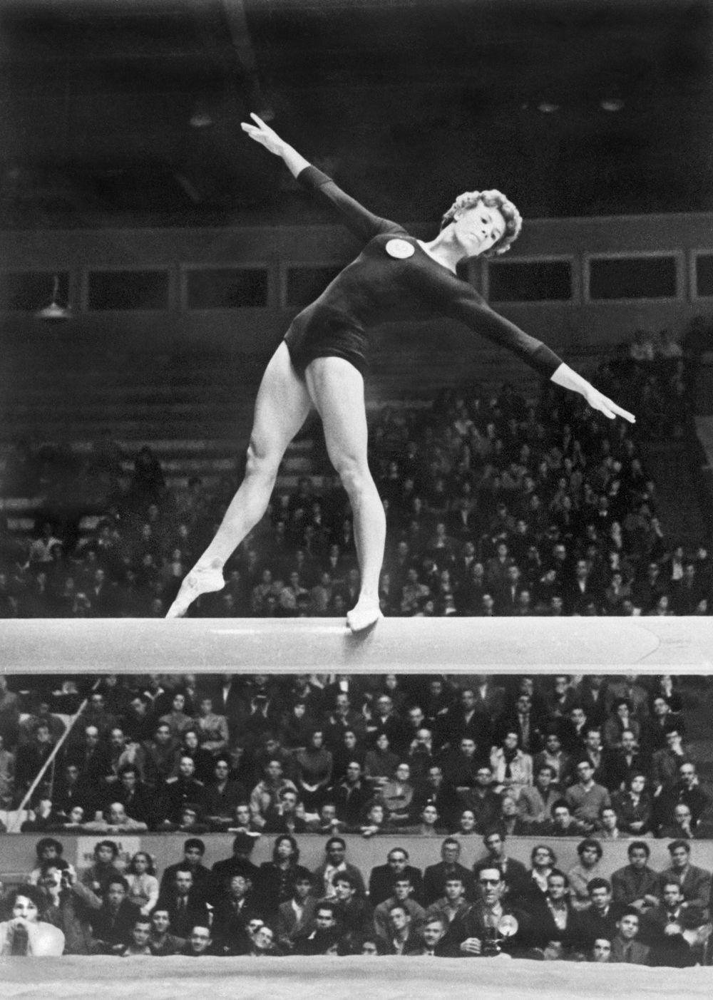 Gymnastics Muses Icons Gymnastics Pictures Gymnastics History Gymnastics