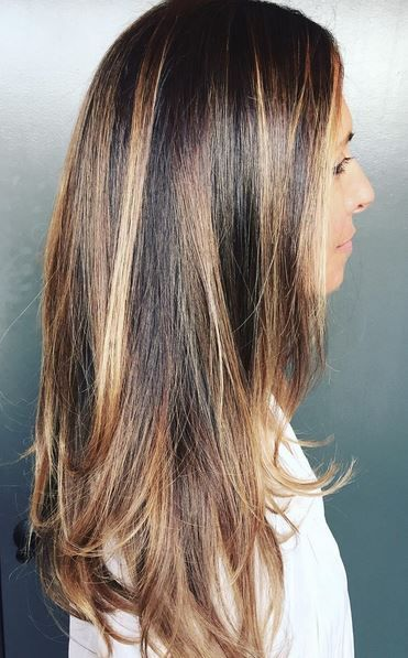 Shiny Brunette And Caramel Highlights Hair Inspo Color Hair Inspiration Color Brunette