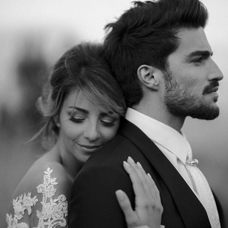 Tolle Pose für Mann und Frau   – Beautiful, Magical, Amazing Weddings!!! :D – #…