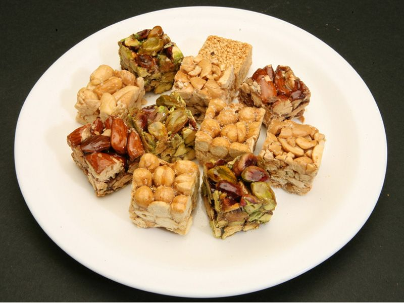 Mixed Semesmiyeh: Sesame, pistachio, almonds, cashew, peanuts, coconuts, hazelnut, sugar, water, glucose syrup, acidifier. Abdul Rahmnan Hallab & Sons - Beirut
