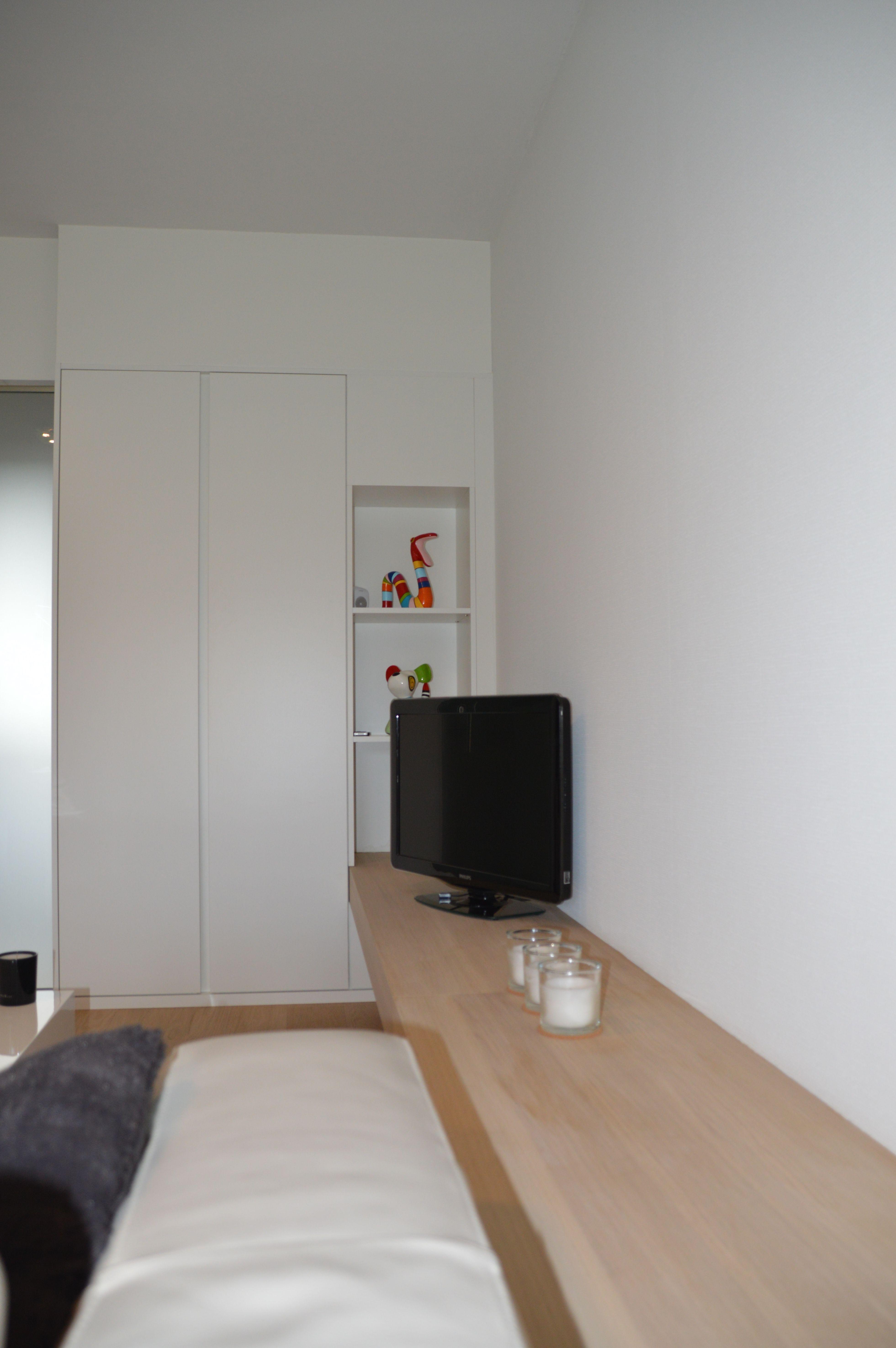strak interieur, veel wit met hout, modern en warm! - NIEUW(in)ZICHT ...