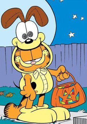 Pin By Tami Kolaz On Garfield Garfield Halloween Garfield Pictures Garfield And Odie