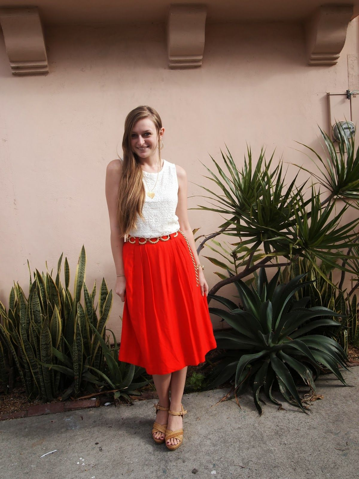 Lauren @ Exploring my Style | the perfect red skirt