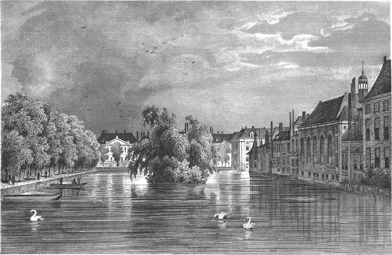's-Gravenhage - Vijverberg van de Plaats gezien
