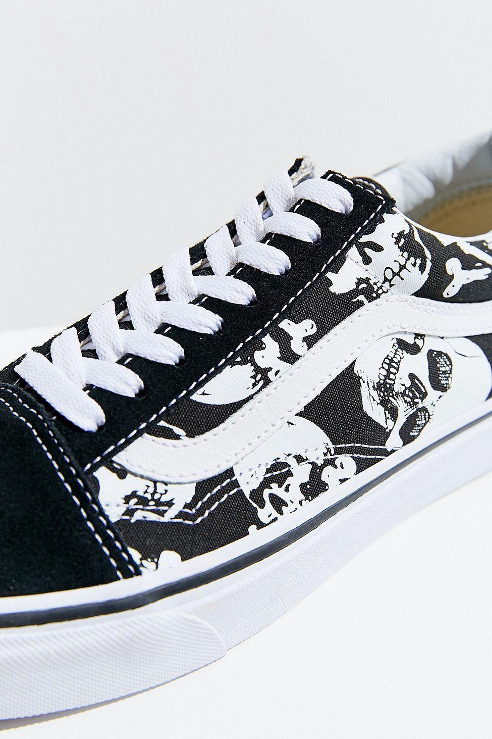 Urban Outfitters Vans Old Skool Skull Sneaker W 10M 8.5