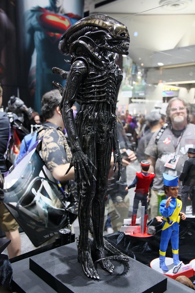 Coolprops A L I E N 1/3 scale maquette   Alien   Xenomorph, Drawings