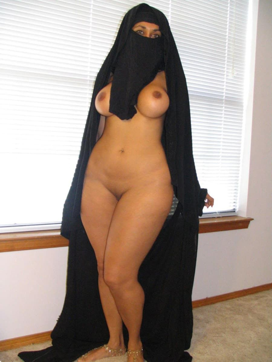 Naked hijab muslim arab in