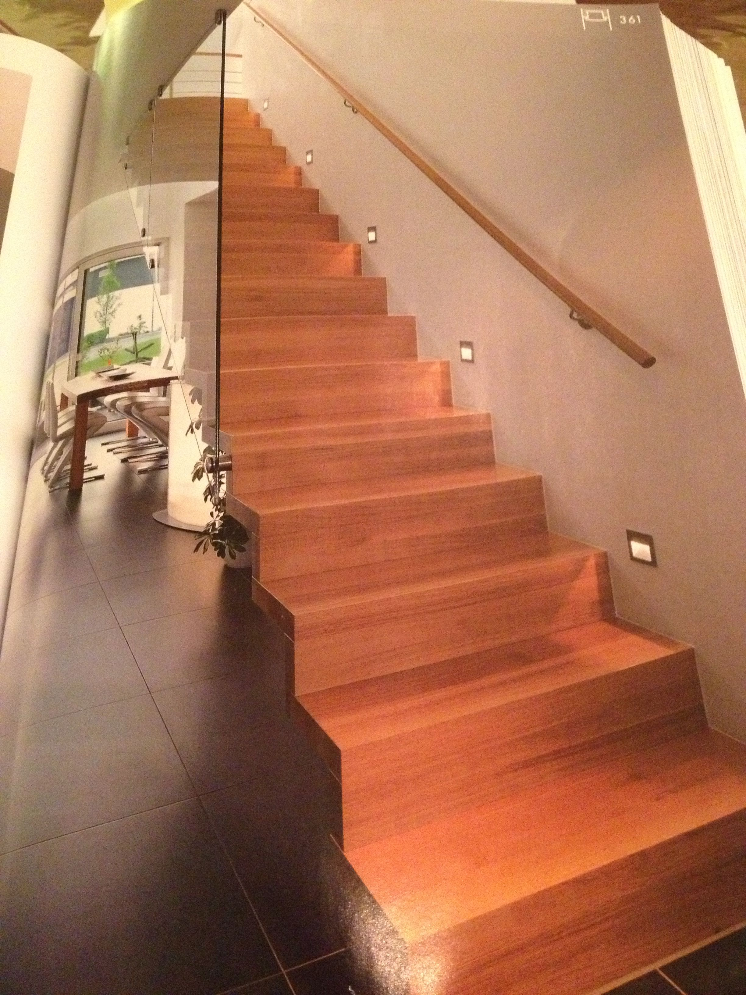 Houten trap met glazen wand trap pinterest - Kleden houten wand ...