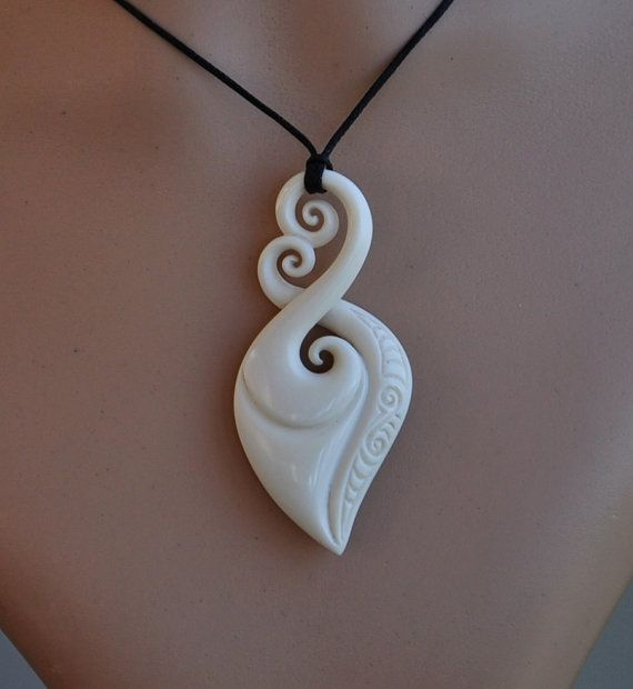 Maori Love Eternal Bonding Symbol Hand Carved Ethnic Bone