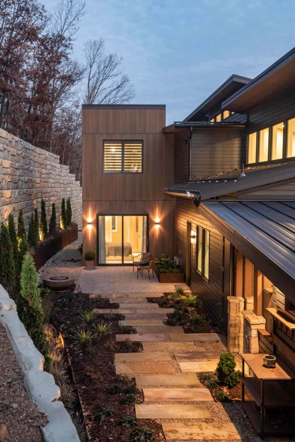 Beautifully Inspiring Mountain Home Nestled In The Blue Ridge Mountains In 2020 Building Design Contemporary House Exterior Mountain Home