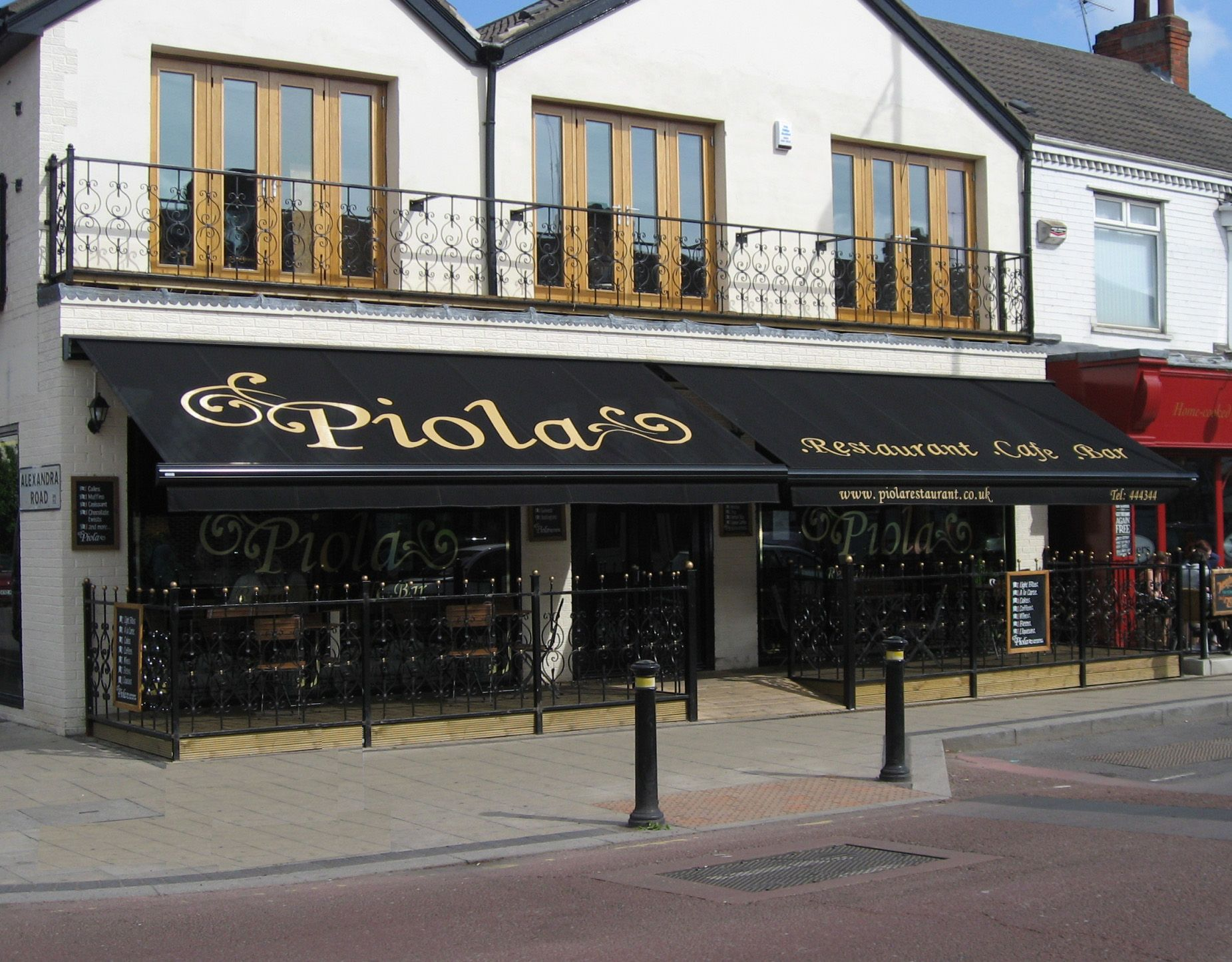 Delightful Piola On Newland Avenue In Kingston Upon Hull. Restaurant Awnings To Cover  Outdoor Seating