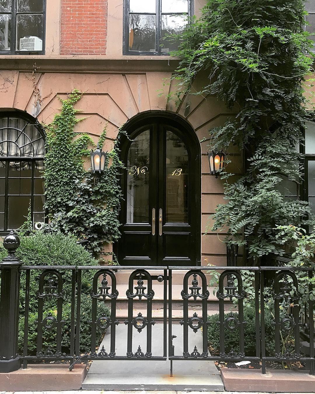 Pin by Missy Sabates on Doors. Bienvenue! ♚ Curb appeal