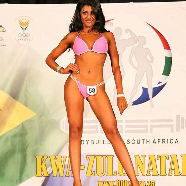 The fit beauty  @mel_kann showing how it's done!  _______________________________  #girlsthattrain  #nevergiveup #work #motivation  #BEMOTIVATED #bikini #gymmotivation #fitgirls #fitspo #success #fitness #bestrong #fitnish #girlswholift #fitnessgirls #model  #fitnessmotivationdaily #fitfluential