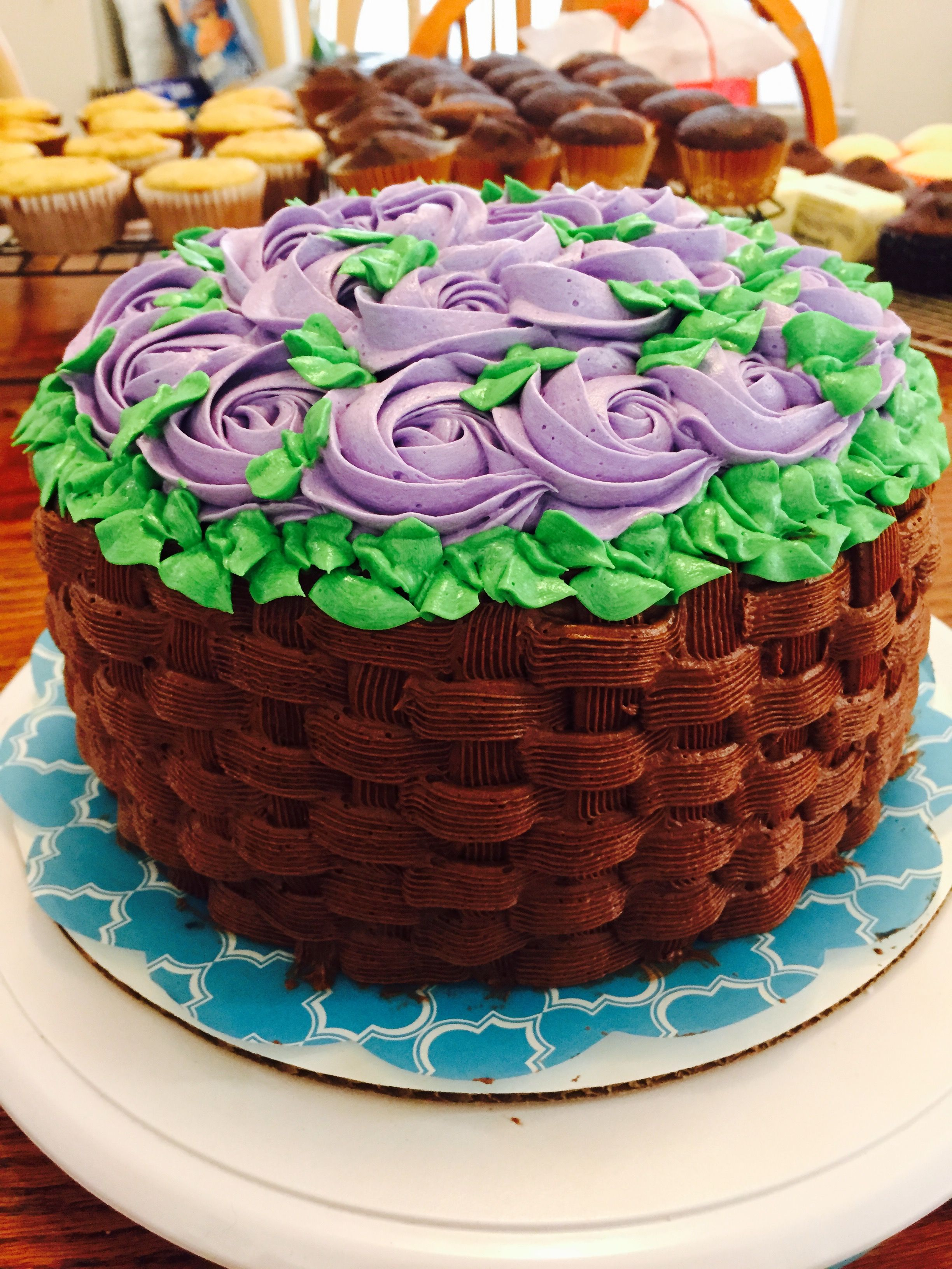Basket Weaving A Cake : Basket weave rosette cake