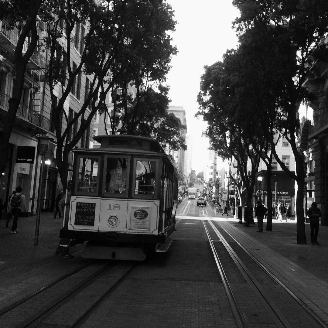San Francisco cable car. #laligaworld @laliga4sports @mysunxy by pfeijoo
