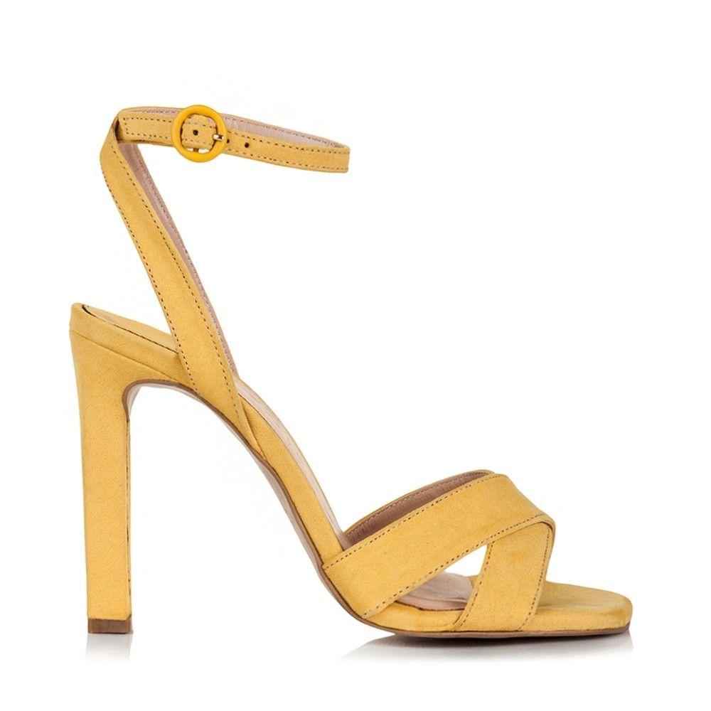 1723928db3d Sandals | shoes 2019 em 2019 | Shoes, Sandals e Women wear